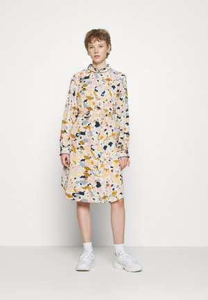 NUBEGONIA DRESS - Shirt dress - citadel
