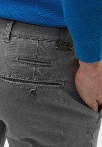BRAX - STYLE FABIO - Trousers - graphit - 4