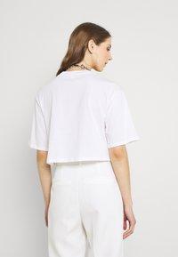Monki - 2 PACK - T-shirts - black dark/white light - 2