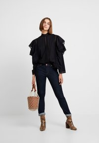 Carin Wester - BLOUSE ABIA - Blouse - black - 1