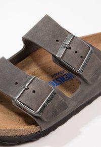 Birkenstock - ARIZONA SOFT FOOTBED - Mules - iron - 5