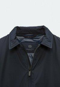 Massimo Dutti - Summer jacket - dark blue - 6