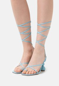 BEBO - CLAUDIA - T-bar sandals - blue - 0