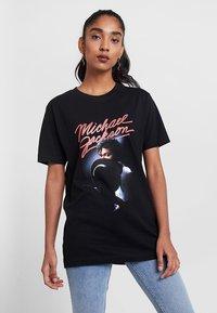 Merchcode - Print T-shirt - black - 0