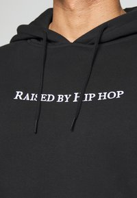 Mister Tee - HOODIE HIP HOP - Jersey con capucha - black - 5