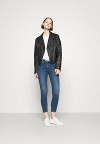 HUGO - CHARLIE CROPPED - Jeans Skinny Fit - bright blue - 1