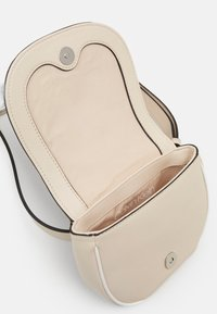 Calvin Klein - CHAIN BELT BAG - Bum bag - beige - 2