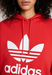 adidas Originals - ADICOLOR TREFOIL ORIGINALS HODDIE - Hoodie - lush red/white - 5