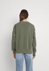 Gina Tricot - DAPHNE  - Sweatshirt - beetle - 2