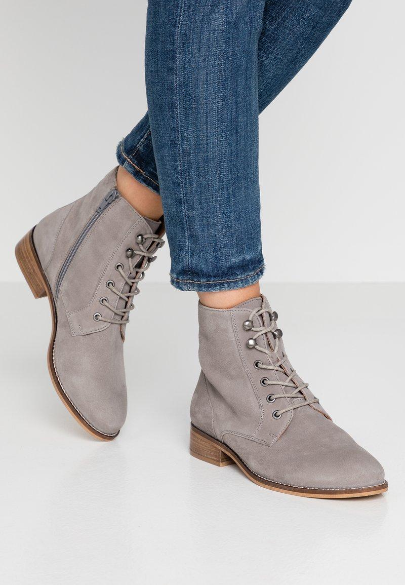 mint&berry wide fit - Šněrovací kotníkové boty - grey