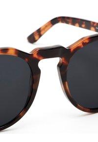 Hawkers - WARWICK - Sunglasses - brown - 3