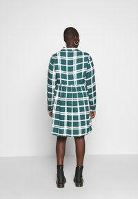 CAPSULE by Simply Be - BUTTON THRU SMOCK DRESS - Shirt dress - dark green/white - 2