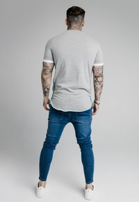 SIKSILK - FADE PIPING TECH TEE - T-shirts basic - grey/pacific - 2