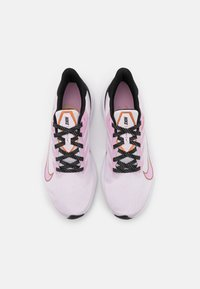 Nike Performance - ZOOM WINFLO  - Zapatillas de running neutras - light violet/matallic copper/light arctic pink/black - 3