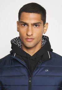 Calvin Klein - LIGHT WEIGHT SIDE LOGO JACKET - Giacca da mezza stagione - blue - 3