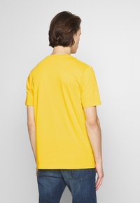 PS Paul Smith - WITH POCKET - Printtipaita - white/yellow - 2