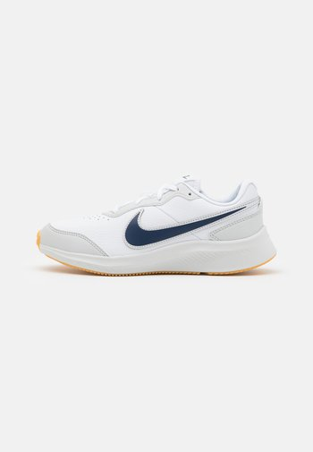 VARSITY UNISEX - Neutral running shoes - white/midnight navy/photon dust/summit white