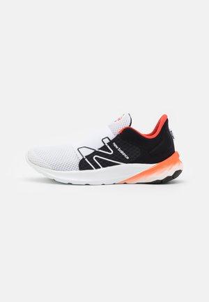 ROAV UNISEX - Neutrální běžecké boty - white