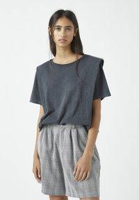 PULL&BEAR - Basic T-shirt - dark grey - 0