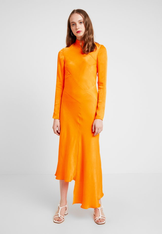 BIAS TWIST DRESS - Maksimekko - orange