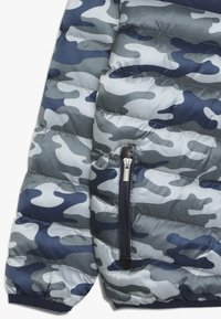 Blue Seven - ANORAK KAPUZE - Light jacket - grau - 2
