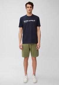 Marc O'Polo - Shorts - aged oak - 1