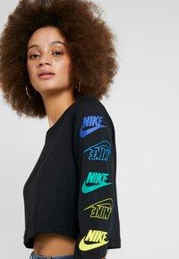 Nike Sportswear - FUTURA FLIP CROP - Long sleeved top - black/multi-color - 3
