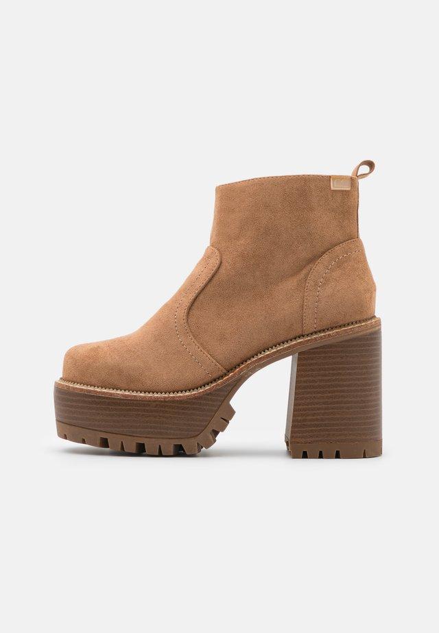 BRAT - Platform ankle boots - sand