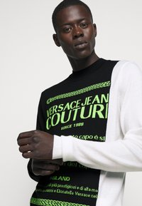 Versace Jeans Couture - Jumper - black/neon green/off-white - 6