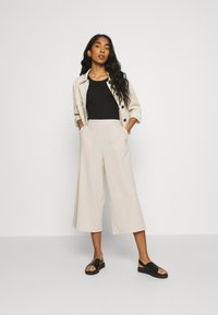 Object - OBJCECILIE NEW CULOTTE PANTS  - Tracksuit bottoms - sandshell - 1