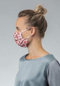 Mey - Community mask - make up - 2