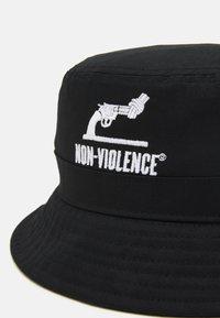 Jack & Jones - JACNON-VIOLENCE BUCKET HAT - Hatt - black - 3