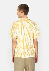 HUF - Print T-shirt - gold - 2