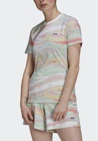 adidas Originals - TEE - T-shirts print - multicolor - 3