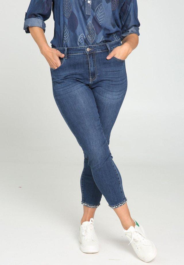 MIT PERLEN-STREIFEN - Jeans Slim Fit - denim