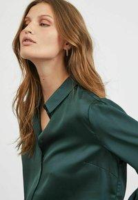 Vila - VIELLETTE - Button-down blouse - darkest spruce - 4