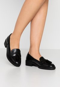 Dorothy Perkins - LITTY LOAFER - Scarpe senza lacci - black - 0