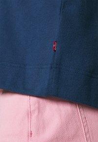 Levi's® - GRAPHIC ZIP SKATE HOODIE - Zip-up hoodie - dark blue - 5