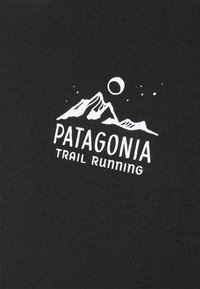 Patagonia - RIDGELINE RUNNER RESPONSIBILI TEE - T-shirt med print - black - 2