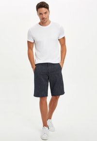 DeFacto - Shorts - navy - 1