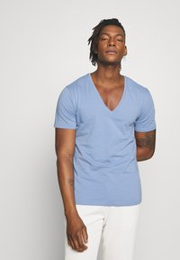 DRYKORN - QUENTIN - T-shirt - bas - blue - 0