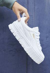 Puma - MAYZE CLASSIC - Trainers - white - 4