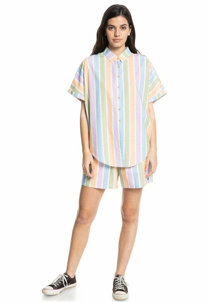 Quiksilver - Shorts - sherbet stripe peach