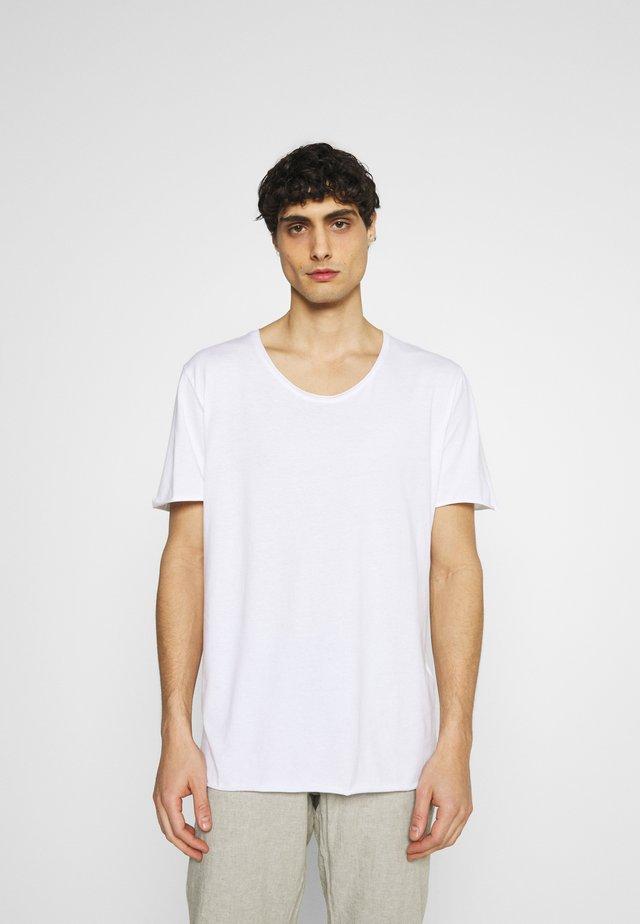 SLHWYATT O NECK TEE  - Jednoduché triko - bright white