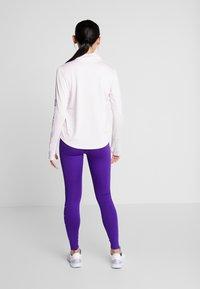 Nike Performance - MIDLAYER RUN - Sports shirt - barely rose/white - 2