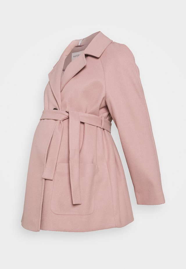SHORT BELTED WRAP COAT - Winter coat - pink