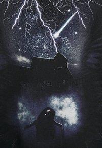 Night Addict - FUTURE - T-shirt med print - black - 2