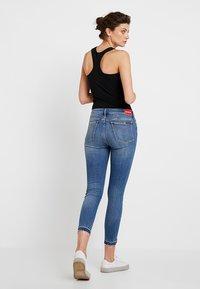 Calvin Klein Jeans - CKJ 001 SUPER SKINNY ANKLE - Skinny džíny - saxon blue release split hem - 3