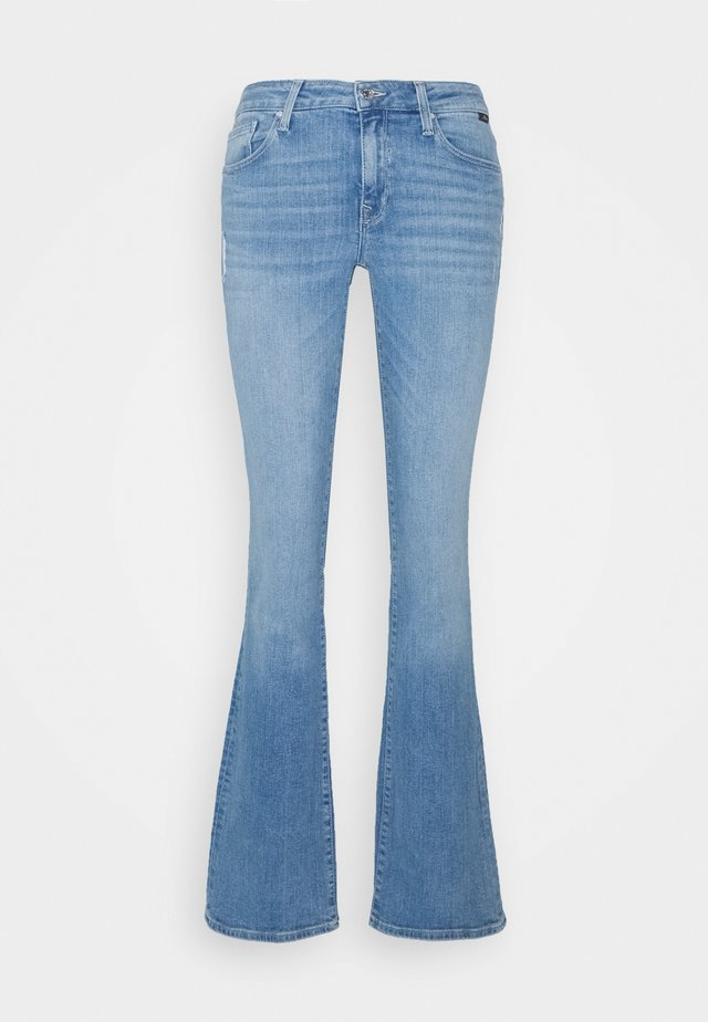 BELLA MID RISE - Jeans bootcut - light sky glam