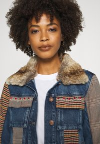 Desigual - CHAQ ALMU - Jeansjacke - denim light - 5